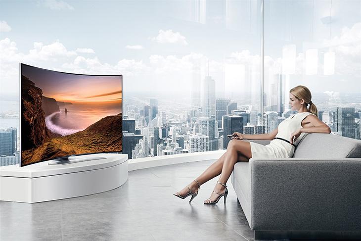 nên mua tivi màn hình cong hay thẳng