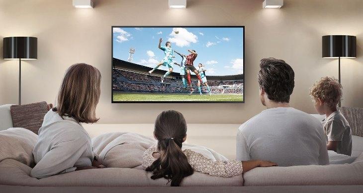 nên mua tivi màn hình cong hay tivi màn hình thẳng